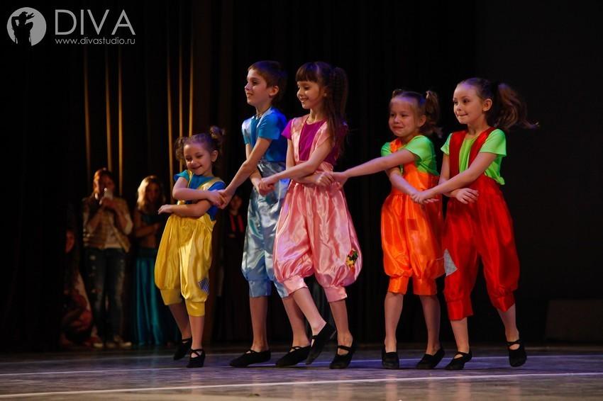 бесплатные коллективы танцев спб полиэстер: